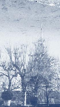 Sumergida en el estanque del hotel Byron by Laura Benavides Lara
