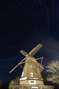Startrails over windmill by Mikael Svensson