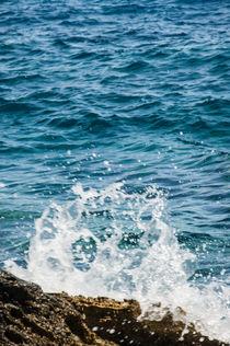 Felsen im Wasser by Thomas Train