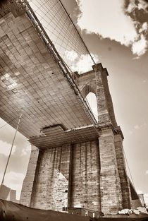 Unxpected perspective of Brooklyn Bridgq von Maks Erlikh