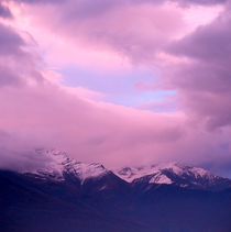 Sunset over snow-capped mountains von Intensivelight Panorama-Edition