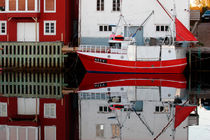 Fishing vessel moored in Henningsvaer von Intensivelight Panorama-Edition