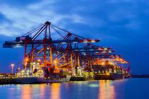 Containerterminal zur Blauen Stunde by kunertus