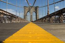 Fußweg auf der Brooklyn Bridge von kunertus