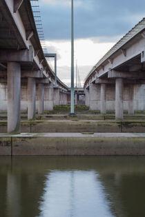 Unter der Autobahn  von kunertus