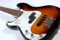 Paul McCartney's signed bass guitar von Philip Shone