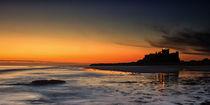 Bamburgh Castle at Sunrise von David Pringle