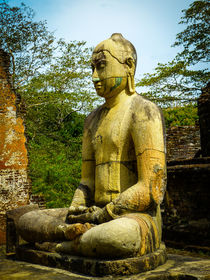 Buddha statue seated around stupa of The Polonnaruwa Vatadage by Inez Wijker