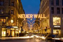 X Mass Neuer Wall by Stanislaw Pietrakowski