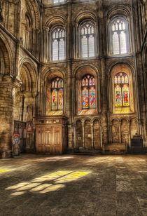 Sunlight Through the Windows von Fiona Messenger