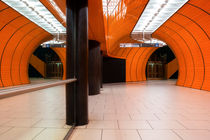 ORANGE SUBWAY STATION von Martin Dzurjanik