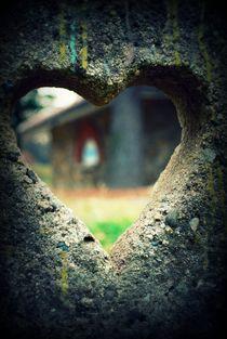 Heart Of Stone. von Nadezhda Petrova