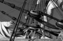 Rigging on a tall ship - monochrome by Intensivelight Panorama-Edition