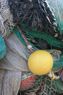 Yellow buoy and nets von Intensivelight Panorama-Edition