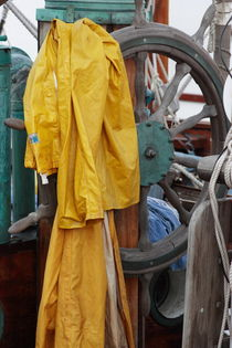 Yellow rain wear on a ship by Intensivelight Panorama-Edition