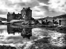 Eilean Donan Castle, Scotland von Jacqi Elmslie