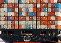 Containerschiff by Jacqueline Kolesch