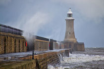 Tynemouth Pier by David Pringle