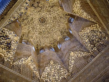 Alhambra-architectdetail2-16x12