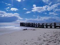 Strandspaziergang I von juliane-brueggemann
