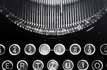 Alte Schreibmaschine  by Olaf von Lieres