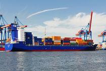 Containerschiff by Olaf von Lieres
