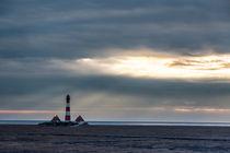 Leuchtturm am Abend - Lighthouse at evening von Hans Sterr