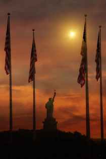 Liberty-island-sunset