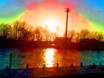Sonnenradar am Fluss by edelart