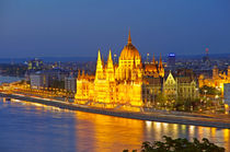 Budapest Parlament by topas images