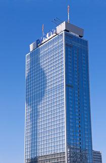 Berlin Fernsehturm und Hotel Park Inn by topas images