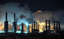 Grangemouth Refinery at Night by evgeny bashta