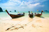 Boats At Tropical Beach von perfectlazybones