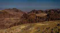 Gebirge bei Petra, Jordanien by gfischer