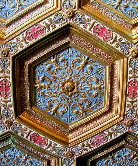 Wilson-ceiling-detail