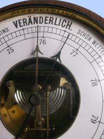 Altes Barometer by techdog