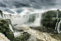 Iguazu Falls from the Santa Maria Viewing Platform von Russell Bevan Photography