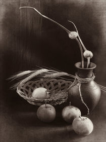 Still life with apples, ears of wheat and garlic by Sviatlana Kandybovich