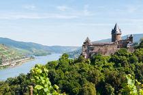 Burg Stahleck mit Lorchhausen by Erhard Hess
