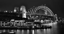 Beautiful Sydney Harbour in Black and White by Kaye Menner