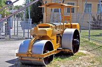 Dampfwalze, alte Straßenbaumaschine von shark24