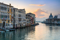 Sunrise at the Grand Canal in Venice, Italy von Michael Abid