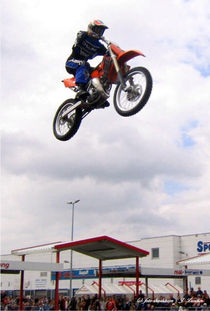 Stuntdriver, Hell-Driver, Motorradkunst by shark24