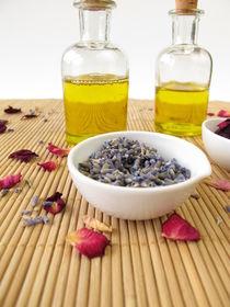 Massageöl mit Lavendel und Rose von Heike Rau