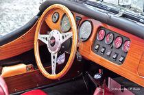 Holz-Armaturenbrett eines Morgan V8 von shark24