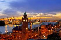 Hamburg Landungsbrücken von topas images