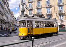Straßenbahn Lissabon by Daniela  Bergmann