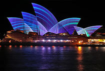 VIVID SYDNEY by Kaye Menner - Opera House .. Blue Lines von Kaye Menner