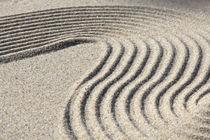 Strukturen im Sand (05) von Karina Baumgart