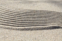 Strukturen im Sand (04) von Karina Baumgart